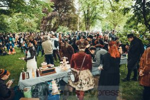 05-14-Steampunk-Picknick-No5-WGT-Monkey Press Danny Sotzny-02